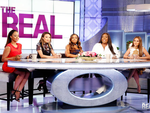 Girl Chat: Does Dating Hinge on Race?