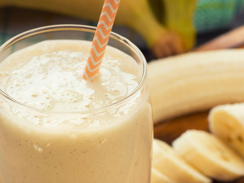 """I Turn Up!"" Banana Bread Smoothie"