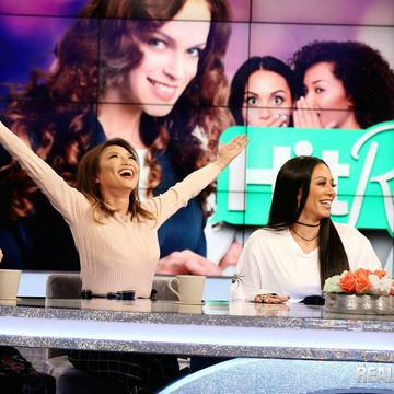 Shade. Shade. And, more shade. The ladies and @OfficialMelB are hitting reply…