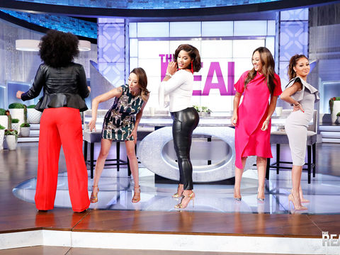 Joseline Hernandez Teaches 'The Real' Ladies Her Moves