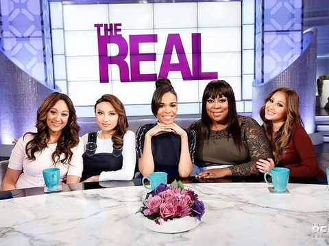 Today on #TheReal, we have a Destiny's Child star in the house...…